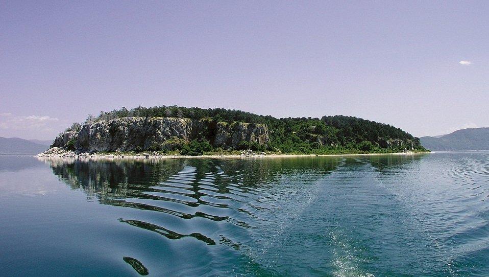 voce aquila albania lago prespa