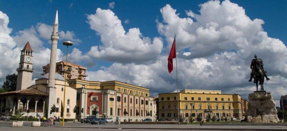 voce aquila albania costo vita tirana