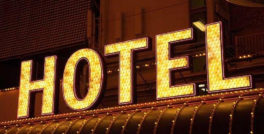 voce aquila albania stelle hotel