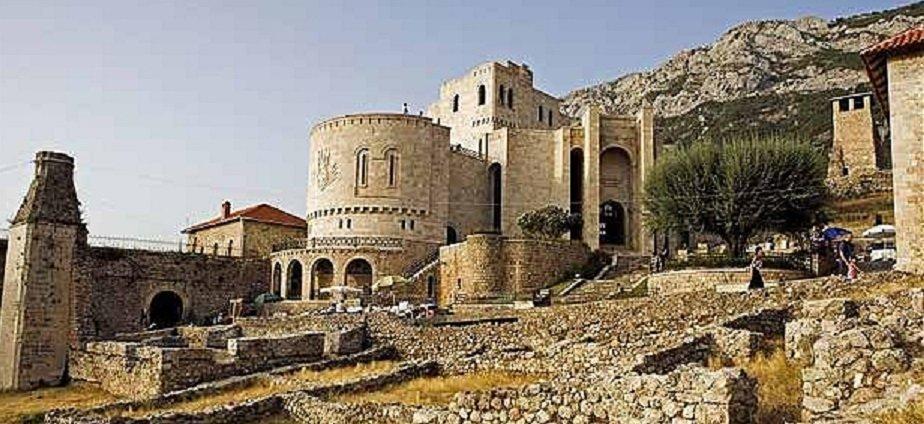 Kruja_castello_di_scanderbeg