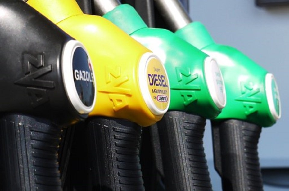 costo benzina albania